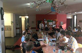 Pflegeeinrichtungen treffen Politiker in Langewiesen