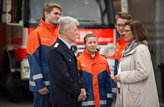 At Feuerwehr Ehrenamt