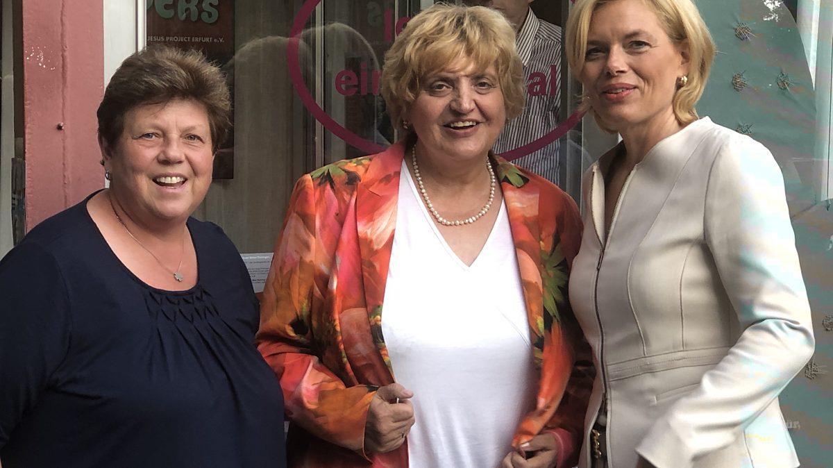 Gudrun Holbe, Birgit Diezel und BM Julia Klöckner (v.li.)