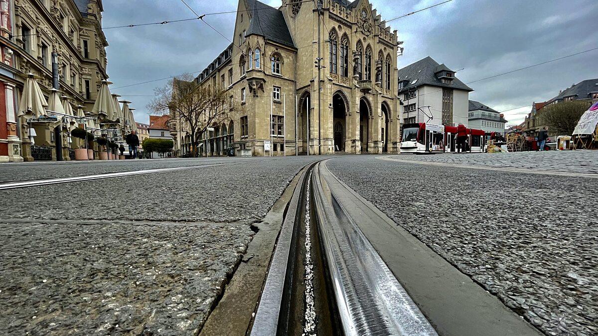 Rathaus Bahnhschiene Evag Quer