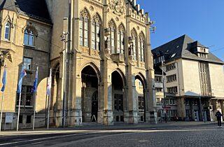 2020 12 Rathaus Weitwinkel Sonne 02