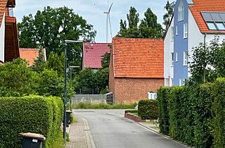 2021 Windrad Toettleben Ansicht Gasse Hochkant