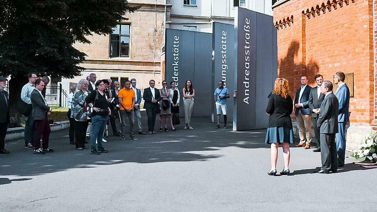 Teilnehmer Der Gedenkveranstaltung