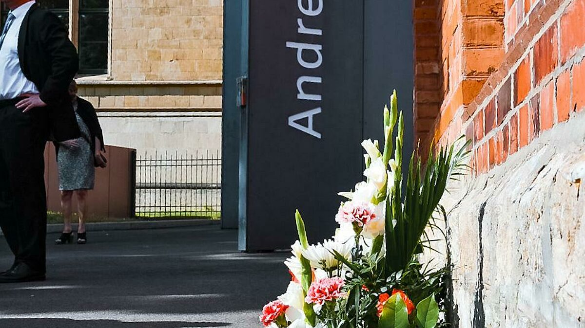 Trauerkraenze An Der Gedenkstaette Andreasstrasse