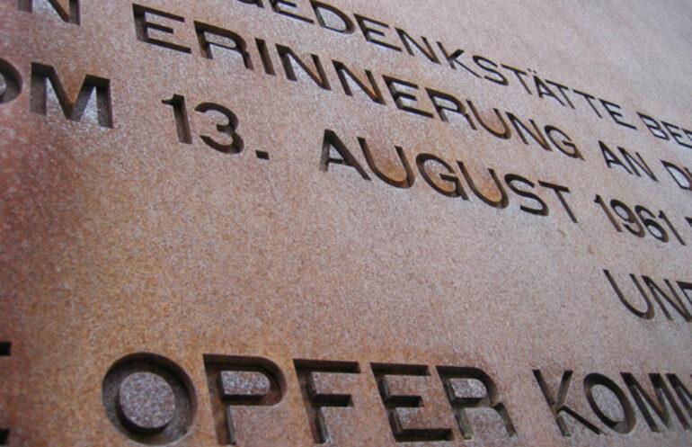 Gedenken An Den Mauer Der Berliner Mauer