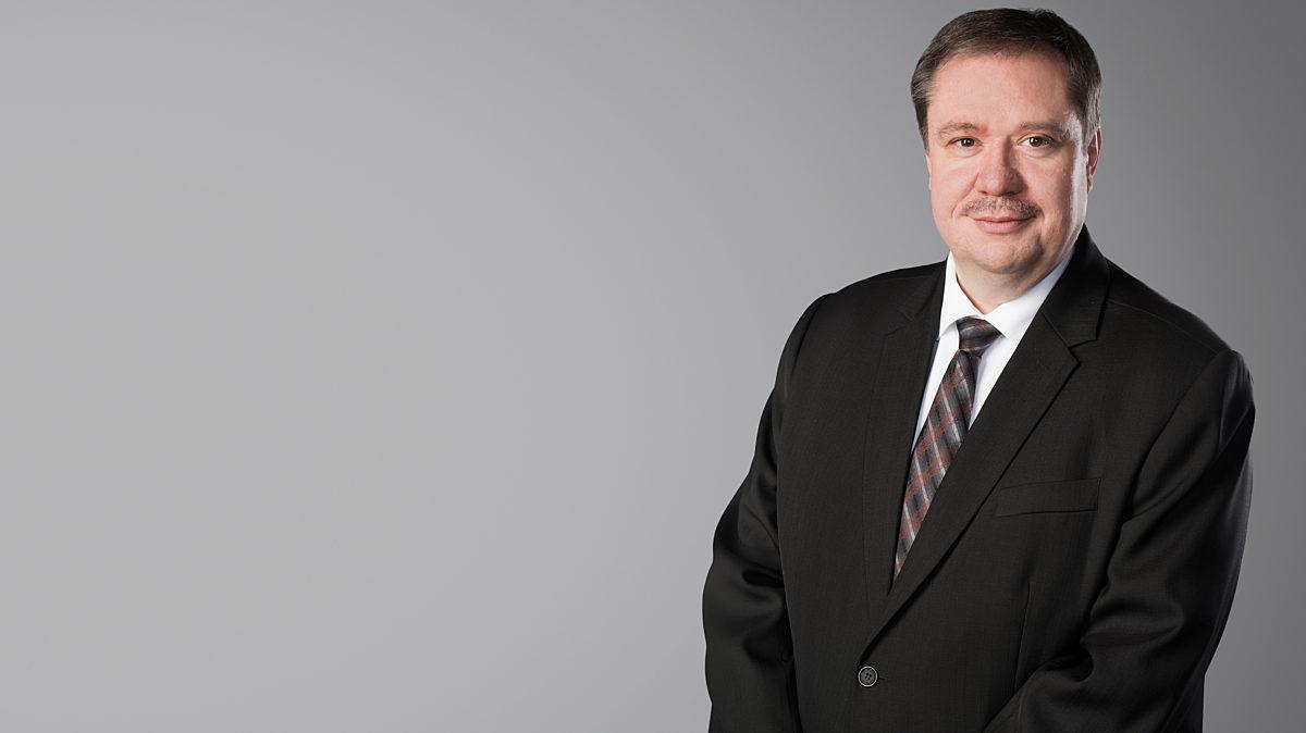 Dr  Steffen Kania
