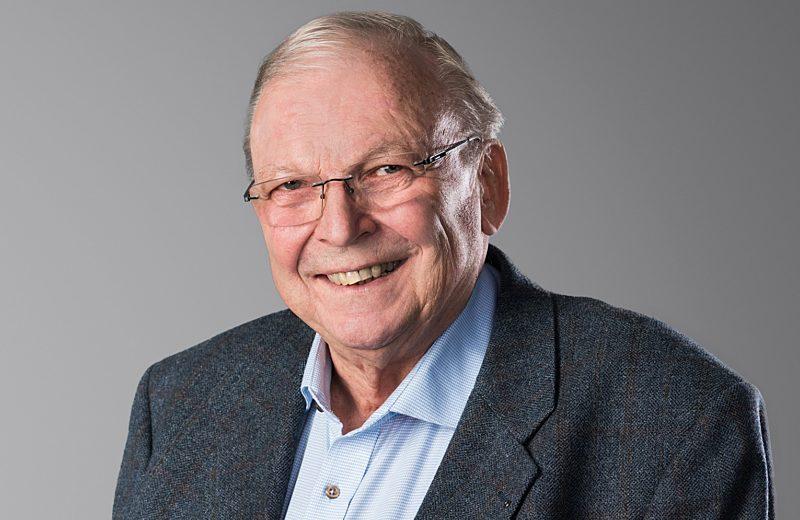 Dr  Jochen Tscharnke1
