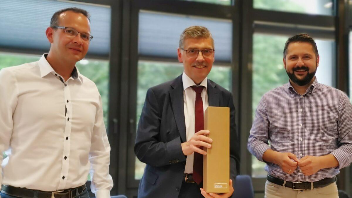 Cdu Ktf Wak Gratulation An Reinhard Krebs 15 Jahre Landrat Martin Henkel Reinhard Krebs Michael Brodfuehrer