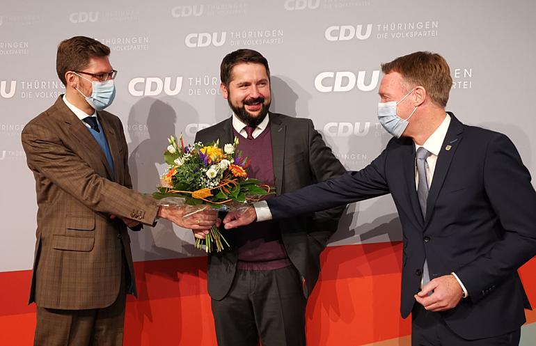 Gratulation an Michael Brodführer durch Christian Hirte (l.) und Raymond Walk (r.)
