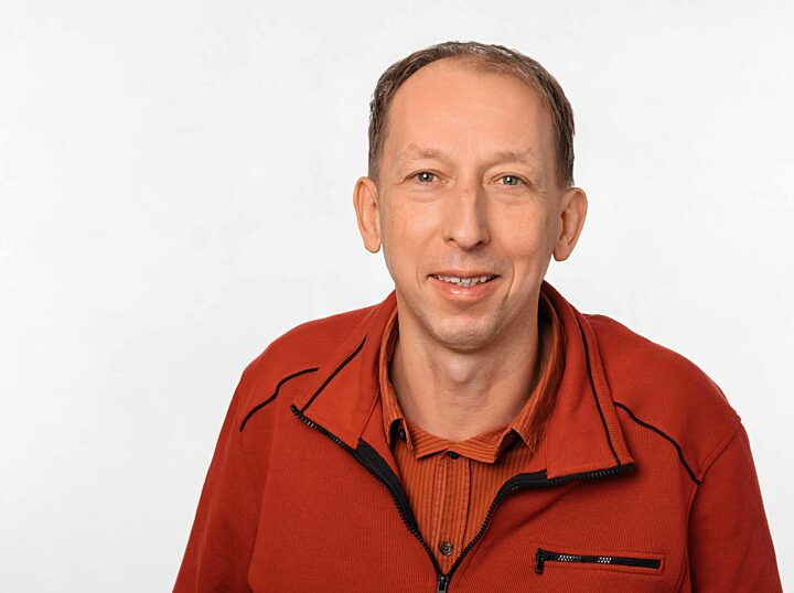 39  Dr  Stefan Mohr