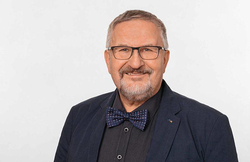 4  Dr  Ruediger Wolf Maier