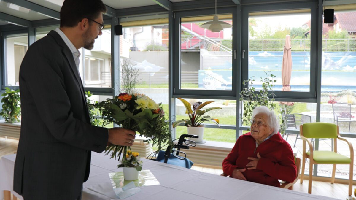 Christian Hirte MdB gratuliert Frau Somieski