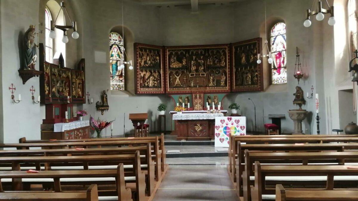 Alter Gotischer Altar Kirche Neuendorf