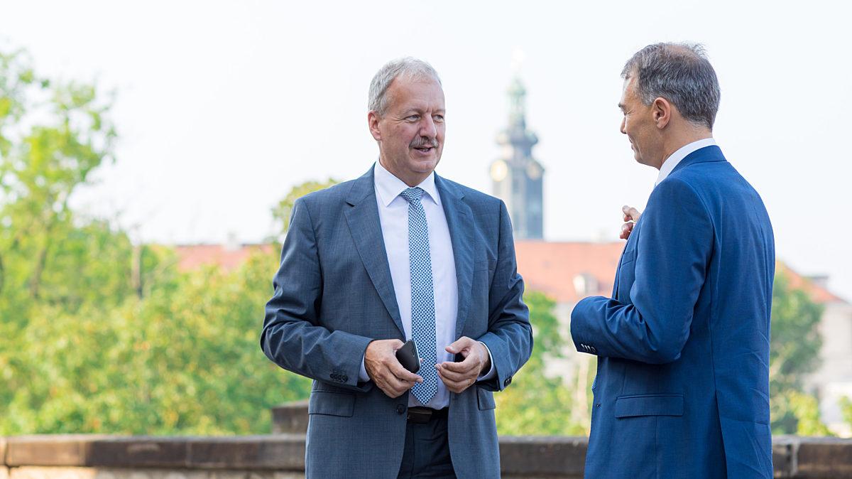 Austausch mit Weimars Oberbürgermeister Peter Kleine.