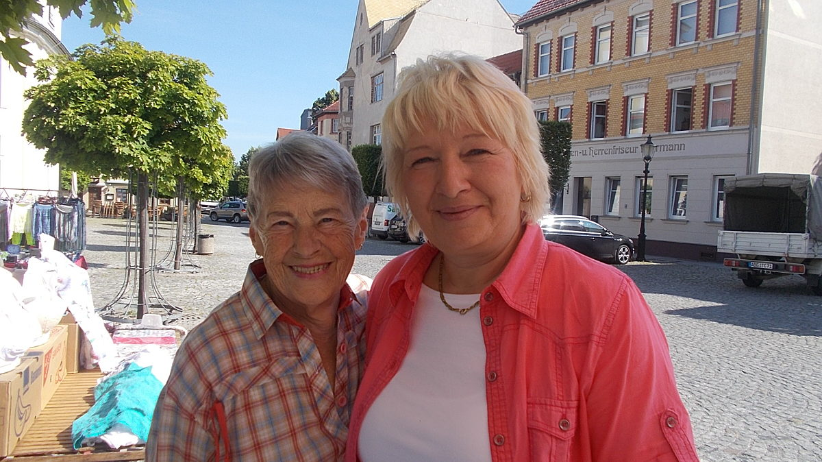 Simone Mit Schwester Von Hr  Hoertler