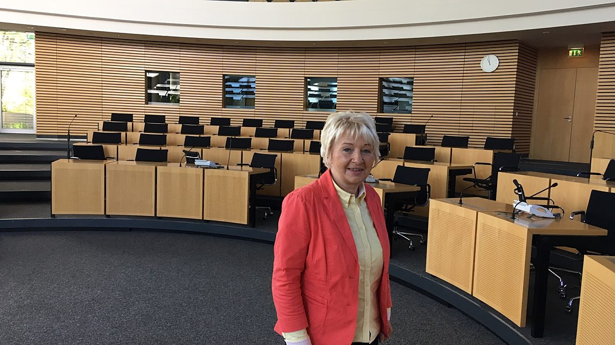 Simone Schulze  im Plenarsaal