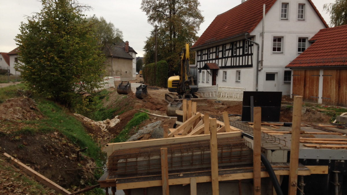 Strassenbauarbeiten Zschernitzsch 1